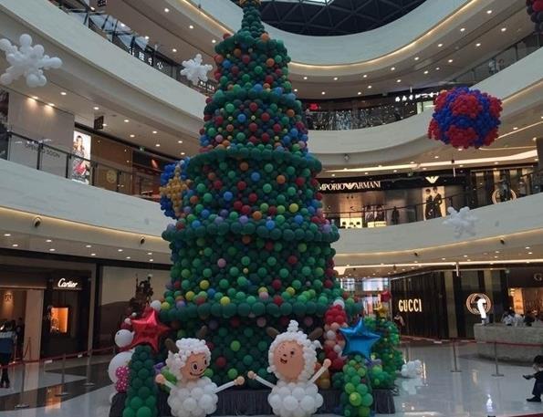 世界上最高的气球圣诞树