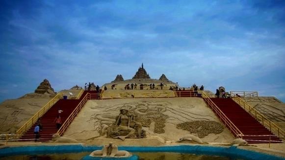 世界上最高的沙雕