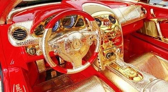 世界上最豪华的黄金跑车