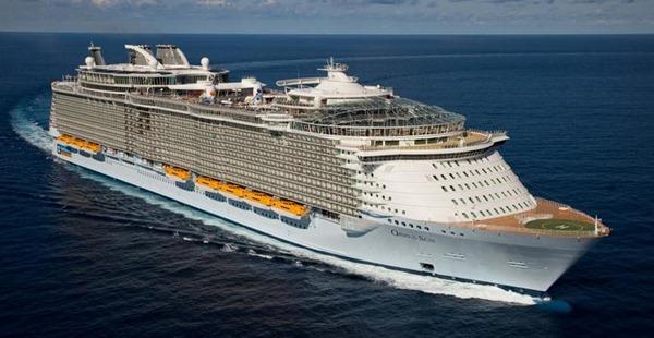 八.全球最大、造价最高的邮轮 海洋绿洲号