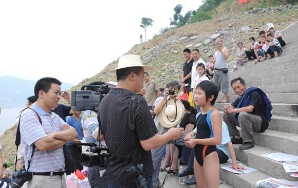 世界上横渡长江年龄最小的人