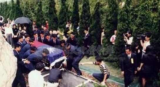 邓丽君死亡真相照片视频 邓丽君死亡验尸照片
