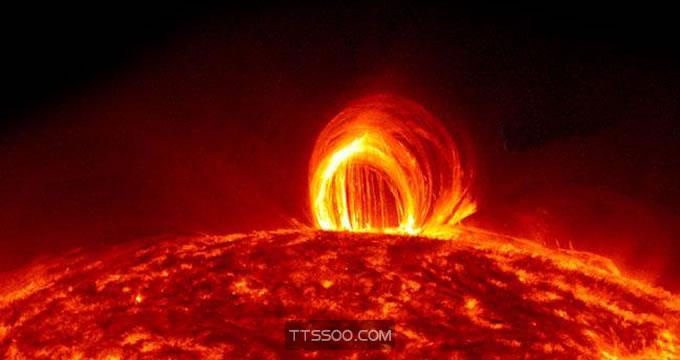 太阳耀斑是怎么造成的
