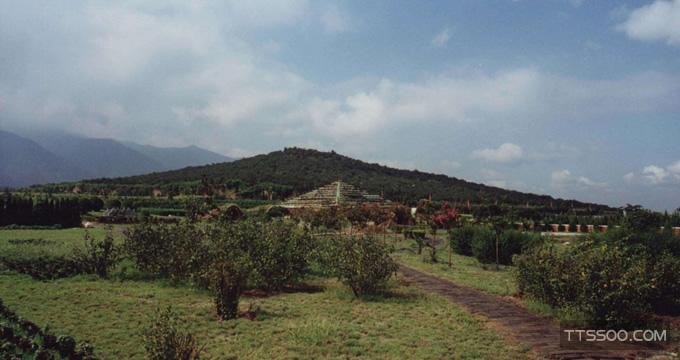 秦始皇陵墓在哪里