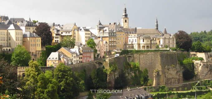 为什么卢森堡那么有钱
