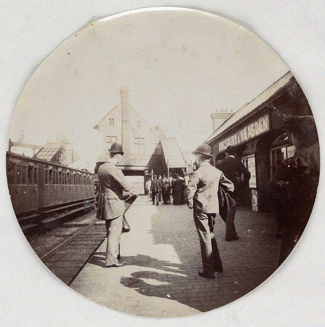金斯伯里和尼斯登车站,大约1890年