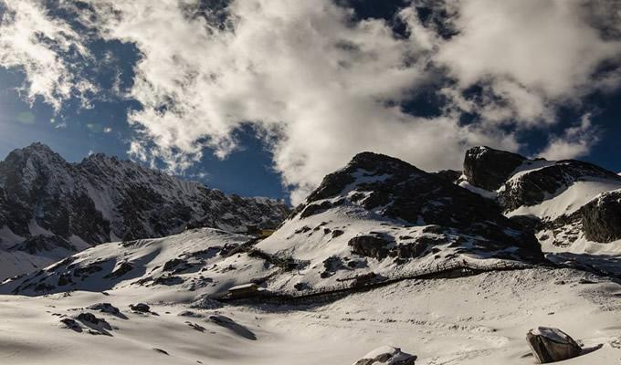 玉龙雪山为何无人登顶