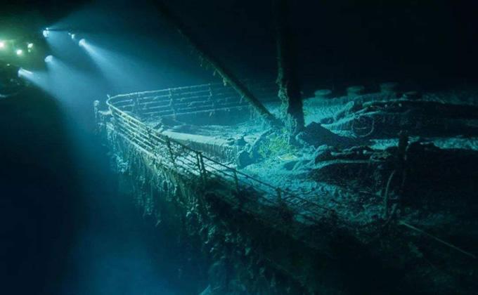 泰坦尼克号沉船之谜