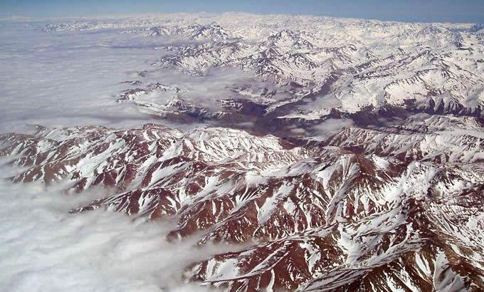 世界上最长的山脉是安第斯山脉