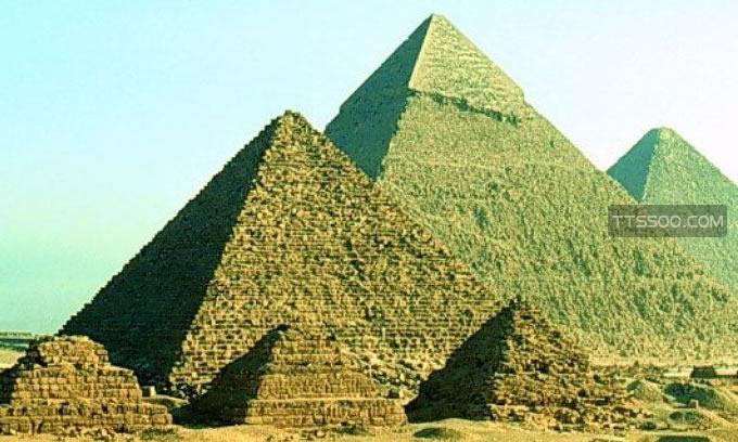 金字塔闯入者必死之谜