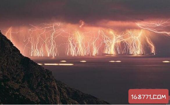 极端天气带给人类毁灭性打击,起因却是我们人类自己
