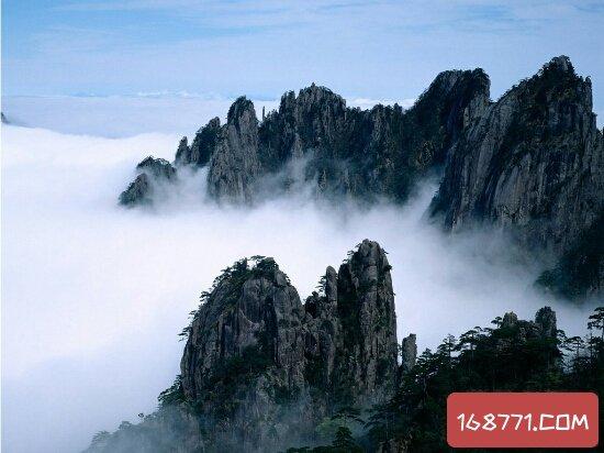 """佛教四大名山,峨眉山被称为""""银色世界"""""""
