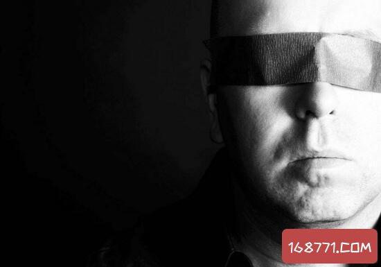 盲人的超凡盲视力,眼睛看不见却能躲避未知障碍物