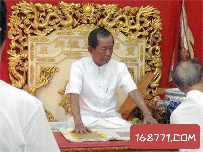 泰国白龙王真有这么神奇吗 连香港明星都敬他三分