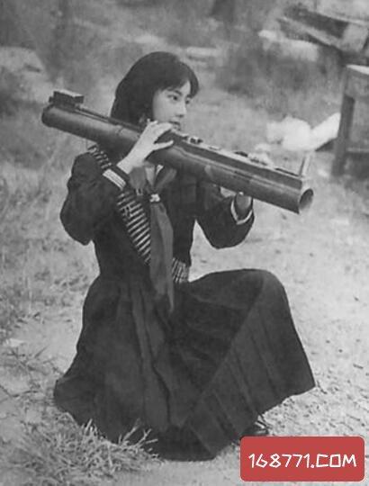 日本赤军领袖之一,重信房子(吐烟圈被认出被捕入狱)