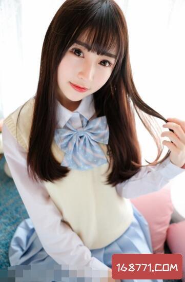 制服清纯学生妹,清纯可爱女生图片欣赏(第三款最美)