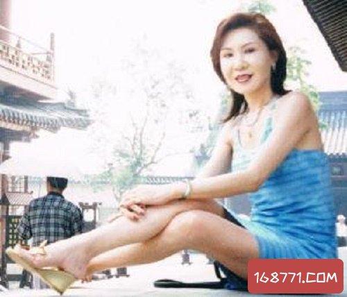 杨钧钧,帮助古龙投资拍电影,如今却判若两人