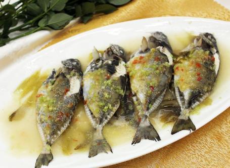空中落下来的鱼可以食用吗