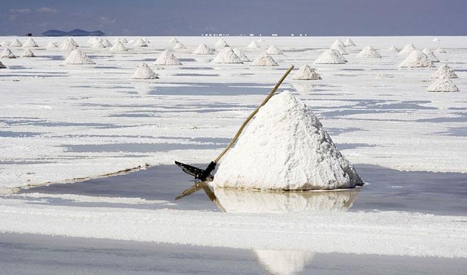 茶卡盐湖形成原因