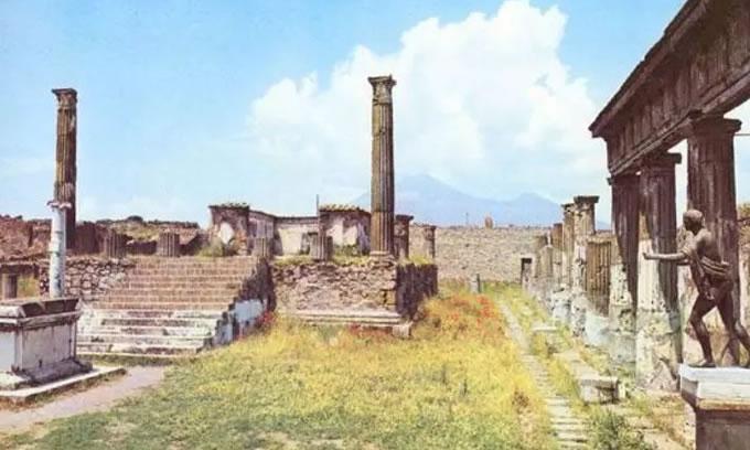 庞贝古城图片:废墟