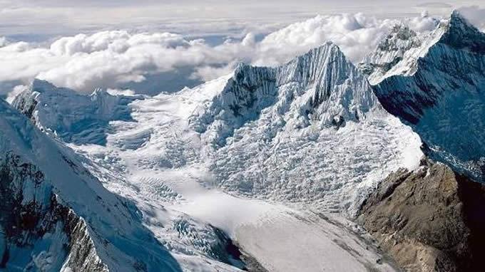 西藏冰川流动时的现象