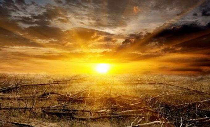 太阳是在膨胀还是在缩小