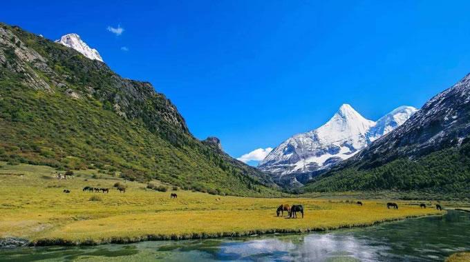 稻城亚丁在哪个省哪个市,几月份去最好?