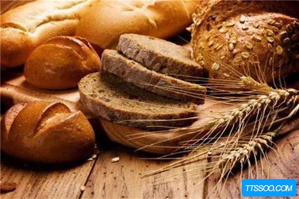 全麦面包如何辨别
