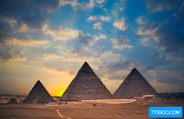 金字塔的八大诡异之处 登上金字塔的人都会死于非命
