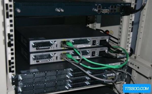 交换机和路由器的区别,路由器一IP多用(交换机IP各不同)