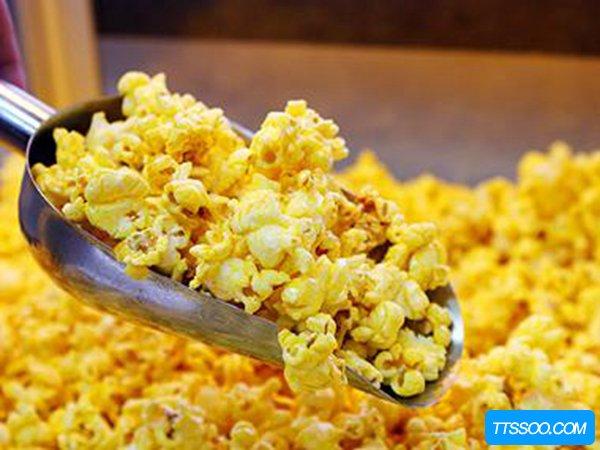 爆米花的玉米是普通玉米吗?是否可以自己制作爆米花