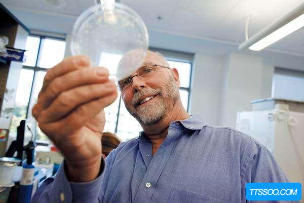 世界上第一个人造生命:辛西娅 从化学物质中提取基因