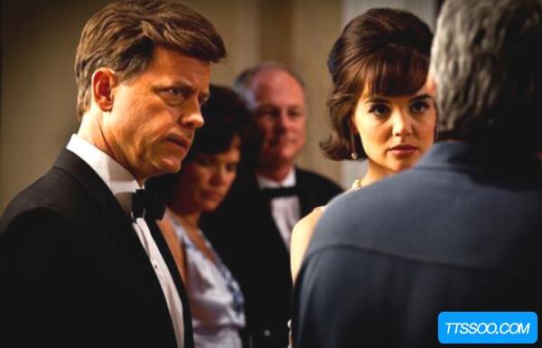 肯尼迪家族秘闻,肯尼迪总统频繁出轨(送妻子到精神病院)